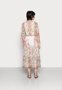 Derhy - SIENNE DRESS - Długa sukienka - off white - 2