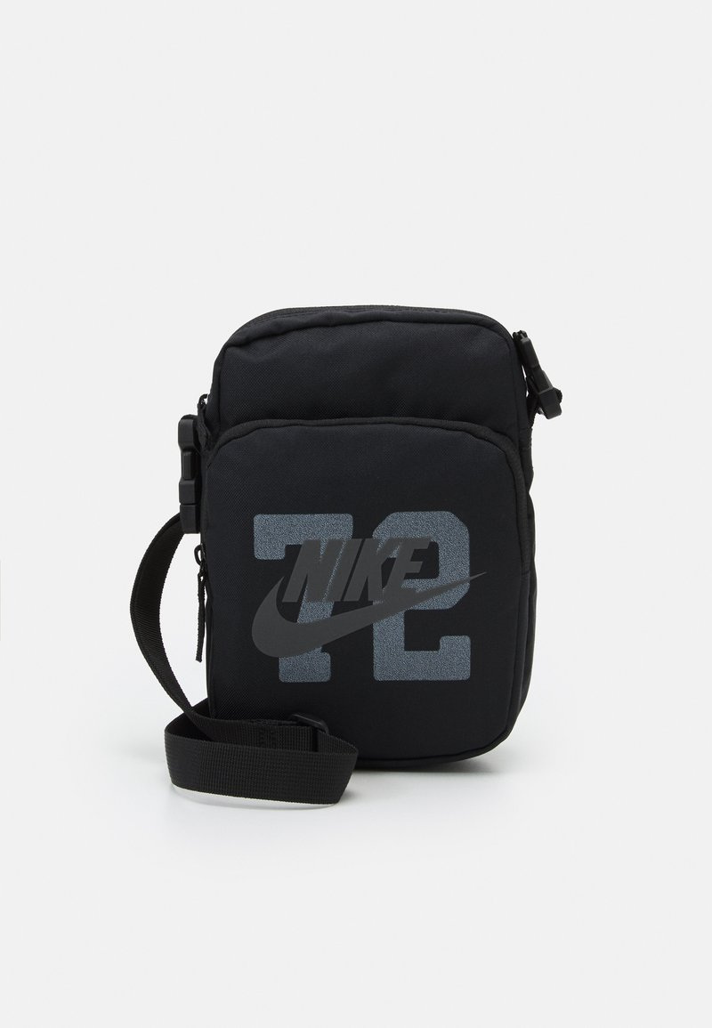 Nike Sportswear - HERITAGE CROSSBODY UNISEX - Axelremsväska - black/anthracite