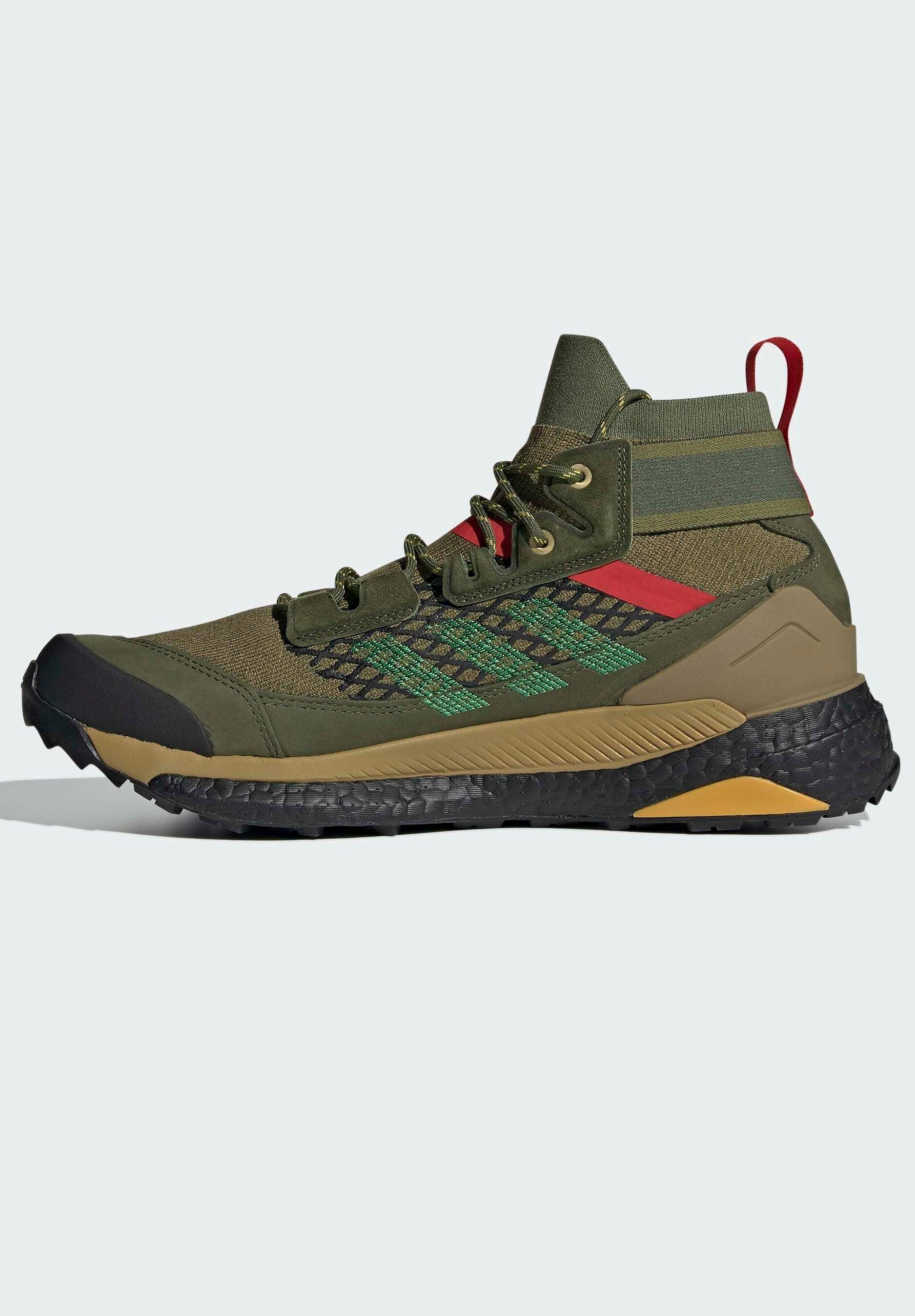 Women FREE HIKER BOOST PRIMEKNIT HIKING SHOES - Hiking shoes