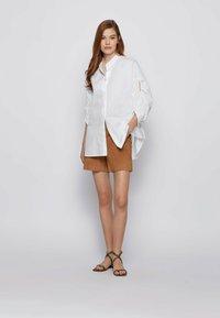 BOSS - SIRIDA - Shorts - beige - 1