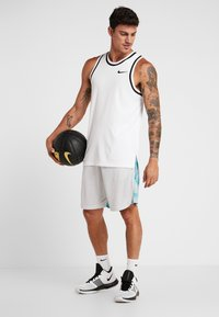 Under Armour - Sports shorts - halo gray/teal vibe - 1