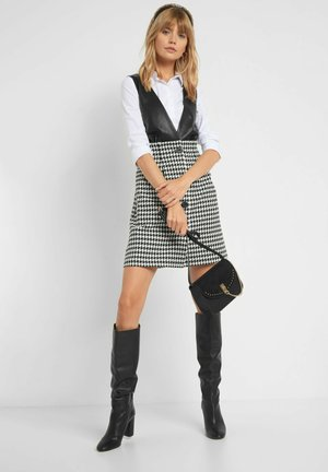 MIT PEPITAMUSTER - Shift dress - schwarz