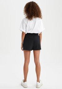 DeFacto - 2 PACK - Shorts - black - 5