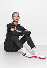 Nike Performance - ACADEMY SUIT - Træningssæt - anthracite/black - 5