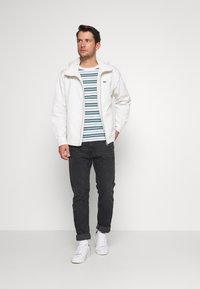 Lacoste - TH5141-00 - T-shirt print - white/navy blue niagara blue - 1