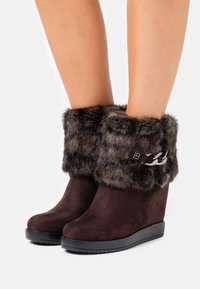 Laura Biagiotti Roma - High heeled ankle boots - brown - 0