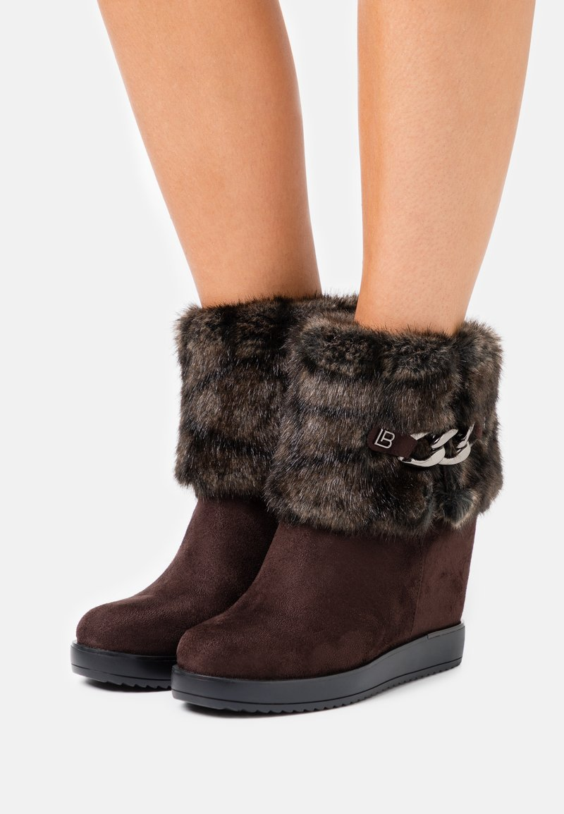 Laura Biagiotti Roma - High heeled ankle boots - brown