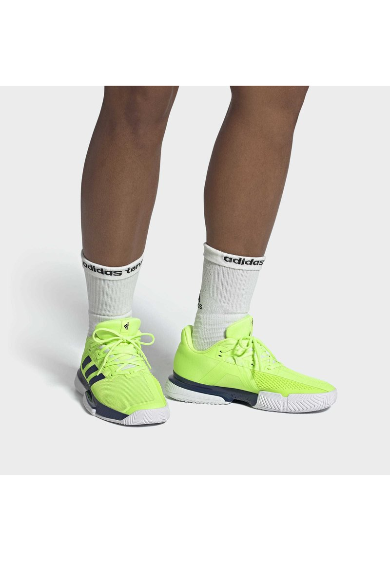 adidas Performance - SOLEMATCH BOUNCE HARD COURT SHOES - Clay court tennis shoes - green
