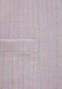 PULL&BEAR - MIT GEKNOTETEN TRÄGERN - Dungarees - light pink - 6