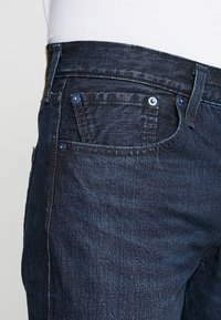 Levi's® - 501® SLIM TAPER - Jeans Tapered Fit - deep and dark - 3