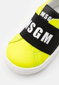 MSGM - UNISEX - Slip-ons - neon yellow - 5