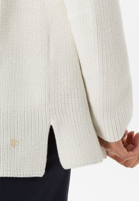 BRAX - STYLE ANIQUE - Cardigan - ivory - 4