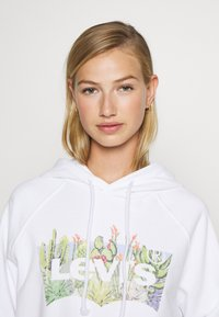 Levi's® - GRAPHIC SPORT HOODIE - Sweat à capuche - white - 3