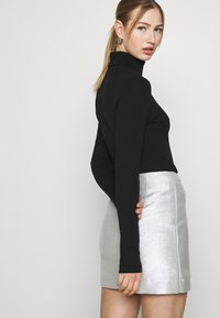 Monki - LUCY SKIRT - Mini skirt - silver - 3