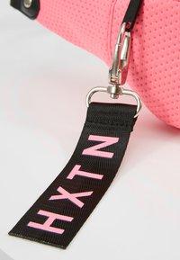 HXTN Supply - PRIME BUM BAG - Rumpetaske - neon pink - 6