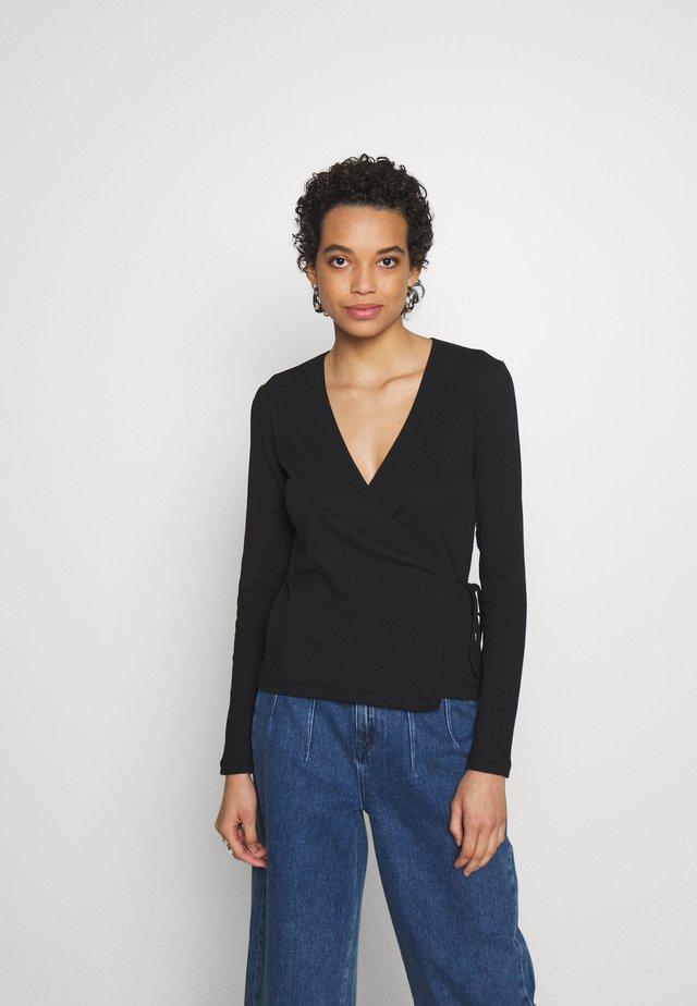 SARAIWRAP - Long sleeved top - black