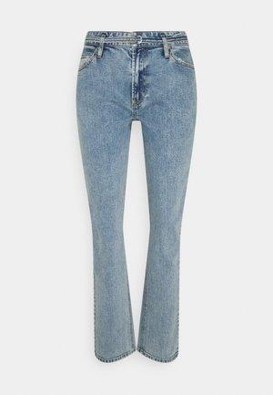 FREJA BELT WASH VINTAGE CORNWALL - Relaxed fit jeans - denim blue