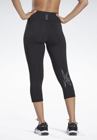 Reebok - LES MILLS® HIGH-RISE 3/4 LEGGINGS - 3/4 sports trousers - black - 5