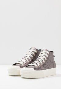 adidas Originals - NIZZA PLATFORM MID - Sneakers alte - core black/offwhite - 6