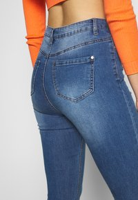 Missguided Tall - SINNER CLEAN DISTRESSED  - Jeans Skinny Fit - blue - 3