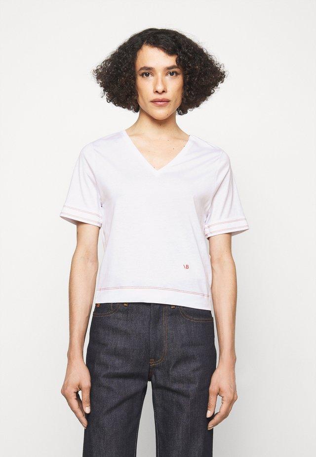 LIGHTWEIGHT  V NECK TEE - T-shirt imprimé - off white