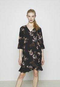 Vero Moda - VMHENNA - Denní šaty - black - 0