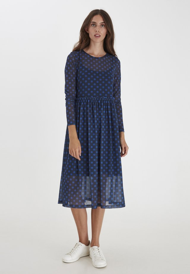 Day dress - total eclipse dot