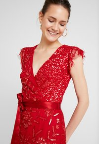 Maya Deluxe - EMBELLISHED MAXI DRESS WITH SASH BOW TIE - Ballkjole - red - 4