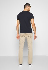Tommy Hilfiger - CORE STRAIGHT FLEX - Chino - khaki - 2