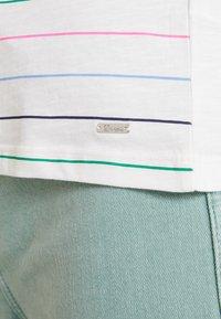 TOM TAILOR DENIM - PRINTED STRIPE SLUB TEE - T-shirt med print - off white/multicolor - 4