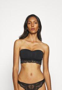 Marks & Spencer London - SANTONI BANDEAU - Multiway / Strapless bra - black - 0