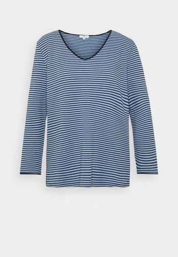 Långärmad tröja
