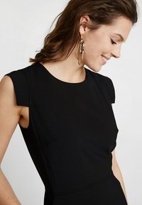 J.CREW TALL - RESUME DRESS BISTRETCH - Etuikleid - black - 4