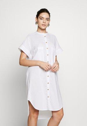 PEGGY  - Vestido camisero - white