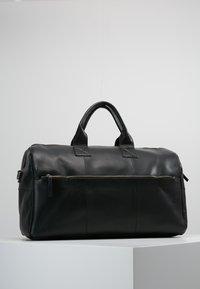 Still Nordic - CLEAN BAG - Bolsa de fin de semana - black - 2