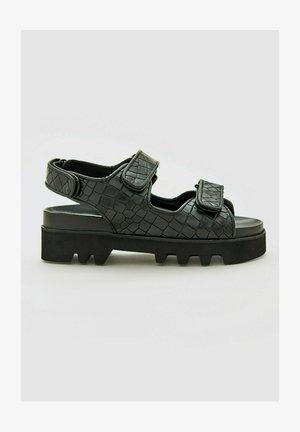 TAYLAH - Walking sandals - schwarz