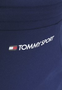 Tommy Hilfiger - SHORTS - Krótkie spodenki sportowe - blue - 5