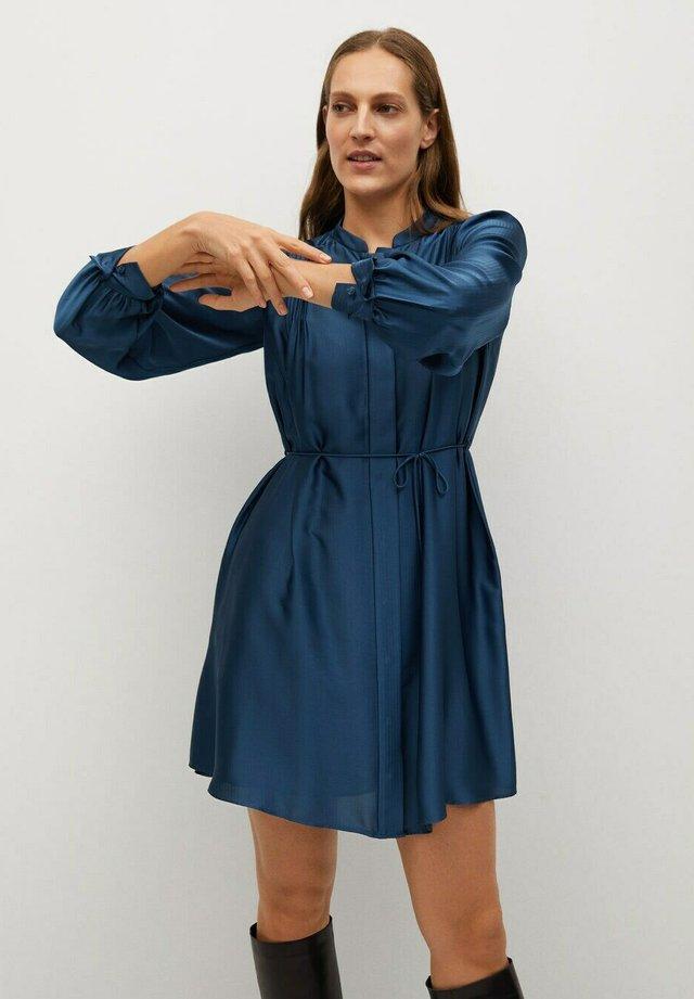 ALBANI - Abito a camicia - azul