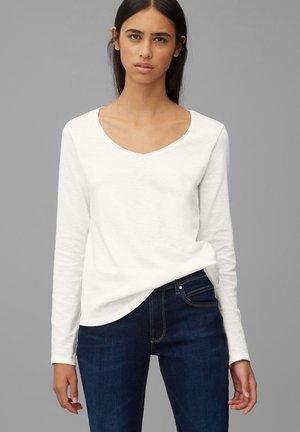 LONGSLEEVE V-NECK - Long sleeved top - scandinavian white
