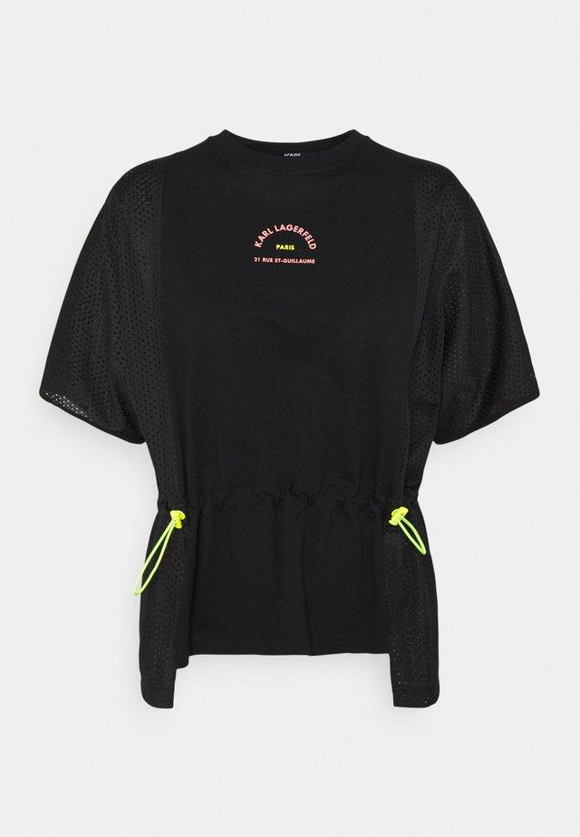 MIX LOGO - Print T-shirt - black