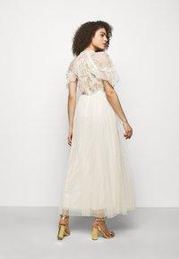Needle & Thread - EMMA DITSY BODICE ANKLE MAXI DRESS - Společenské šaty - champagne - 2