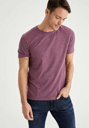 Camiseta básica - purple