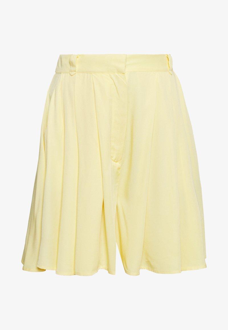 VILA PETITE - VISUVITA - Shorts - mellow yellow