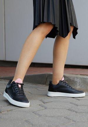 LOW EVA ROMA - Sneakers basse - black/white