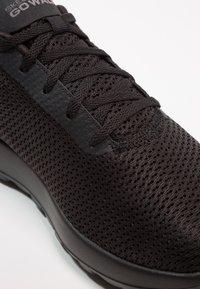 Skechers Performance - GO WALK MAX - Chaussures de course - black - 5