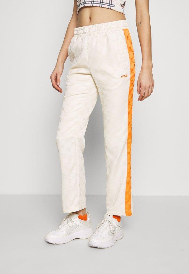 HALLE - Kalhoty - eggnog/mandarin orange