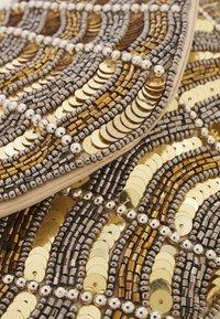 Glamorous - Pochette - gold - 3