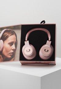 Fresh 'n Rebel - CLAM ANC WIRELESS OVER EAR HEADPHONES - Cuffie - dusty pink - 3