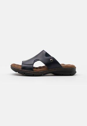ROBIN - Pantofle - marino/navy