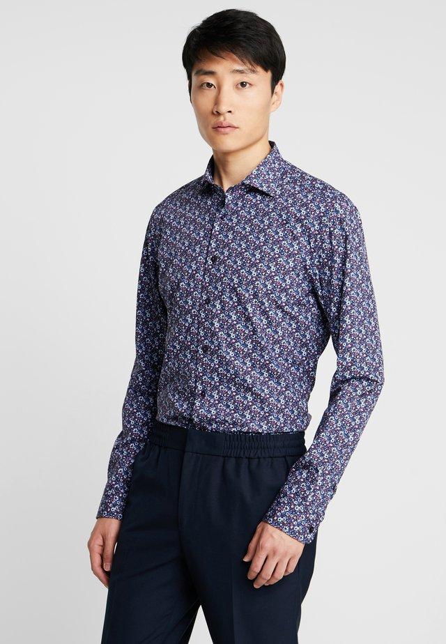 SLIM FIT - Camicia - bordeaux